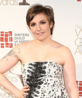 o-LENA-DUNHAM-WRITERS-GUILD-AWARDS-DRESS-570-1