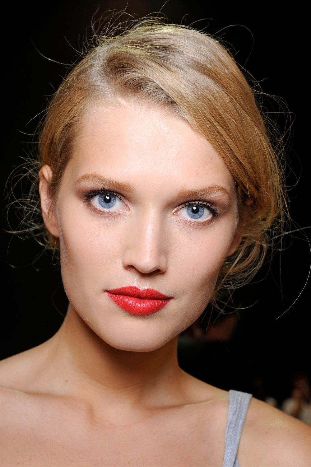 summer-beauty-trends-bright-lips