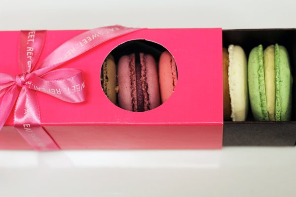 Mothers-Day-Macarons-2slide