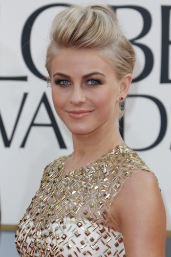 golden-globes-beauty-julianne-hough