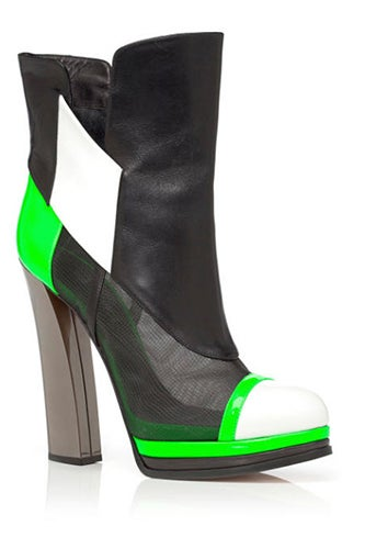casadei-prabal-gurung-pre-fall-2013-green-capped-toe-boots