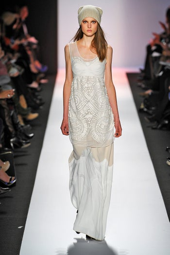 layer-your-white-dresses_BCBGMaxAzria_bcb_fw13_117