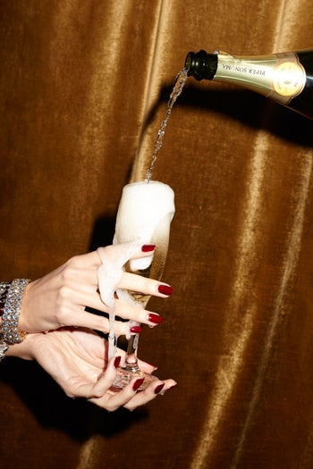 05_REFINERY_29_NAILS_DEC_SHOT_2_026_crop2