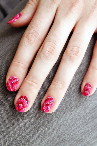 girly-nail-art-ikat-4
