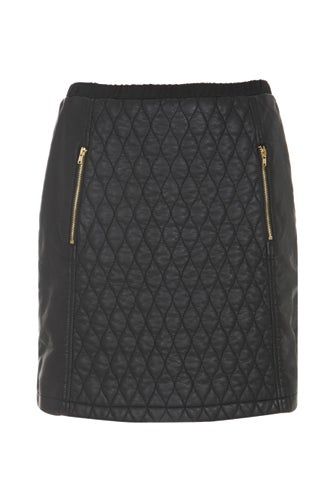 black-quilted-skirt