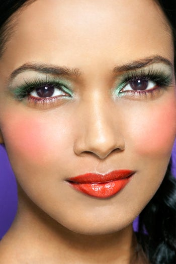 colorblock-makeup-trend-blush-detail