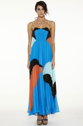 Quilla-Qua-Pleated-Dress-Front