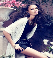 joan-smalls-romantic-edge4