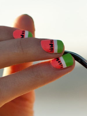 scratch-nails-watermelon