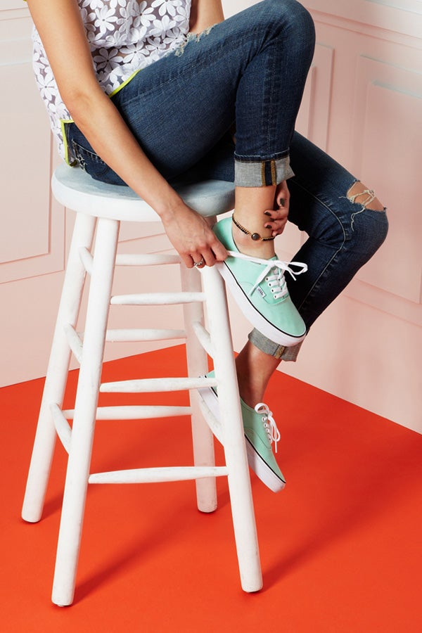16-COLORFUL_SNEAKERS_2748_crop_WEB