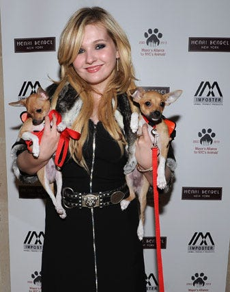 Abigail-Breslin-with-Mayor's-Alliance-for-NYC's-Animals
