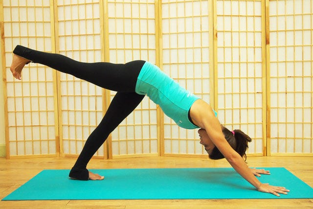 Downward-Facing-Dog-Core-Drill-Step-1